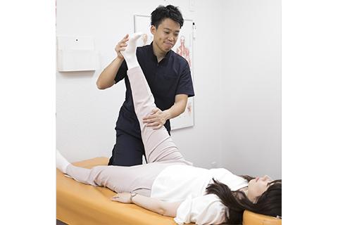 体のチェック(O脚・膝痛)